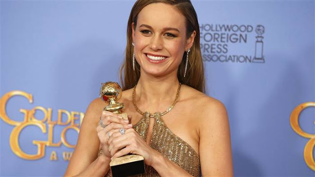 Brie Larson HD Sexy With Golden Award Images