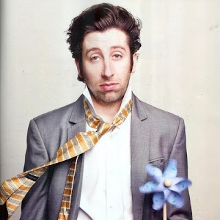 Simon helberg,wife,movies,tv shows,piano,height,impressions,big bang theory,family,house,wig,jewish,wiki