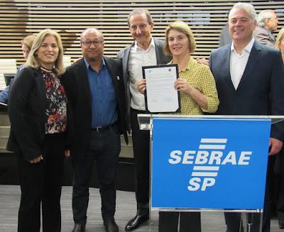 PREFEITURA DE SETE BARRAS ASSINA CONVÊNIO EM PARCERIA COM SEBRAE