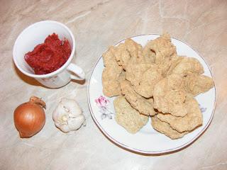 retete cu soia ceapa usturoi si pasta de tomate,