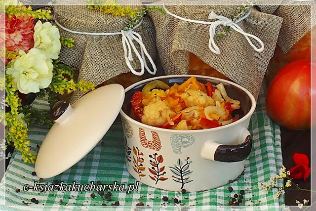 najlepsza delikatesowa sałatka z kalafiora na zimę