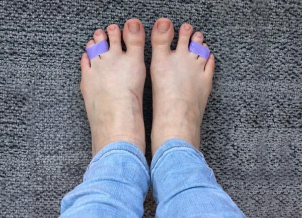 Ikat jari kaki agar nyaman saat memakai high heels
