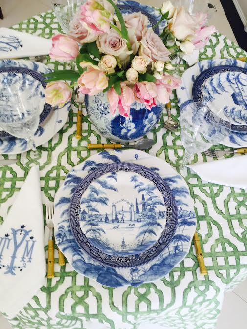 Chinoiserie Dining Room Inspiration | via monicawantsit.com