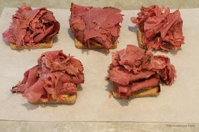 pastrami, mustard sauce, rye bread