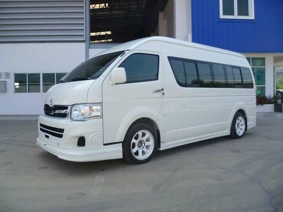 Sewa Rental Mobil Toyota Hiace Commuter di Bandung