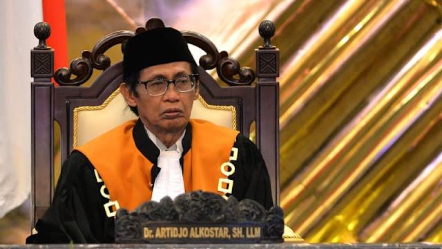 Artidjo Tunjuk Dirinya Sendiri Jadi Hakim PK Ahok