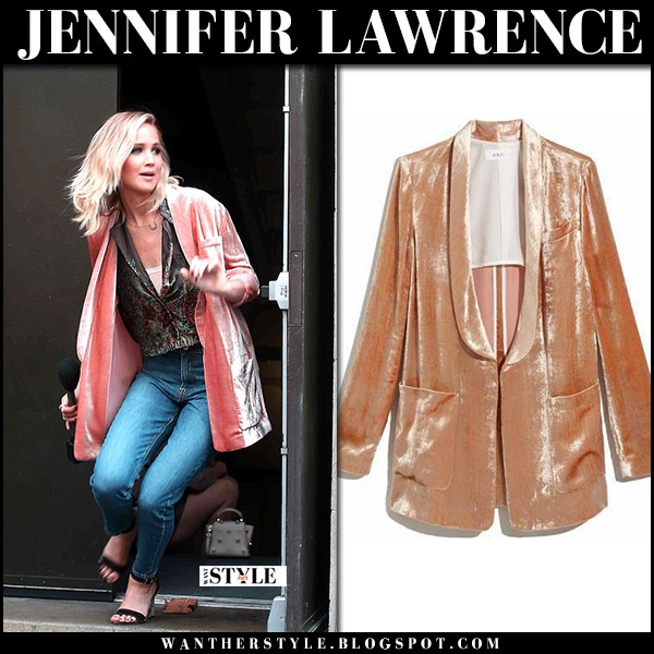 Jennifer Lawrence in pink velvet jacket alc, jeans and black sandals jimmy choo edina october 30 2017 style