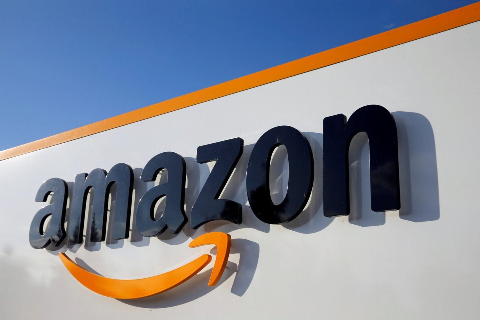 Amazon officially closes Souq com and launches Amazon com