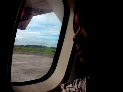Beberapa Kondisi yang Mewajibkan Penutup Jendela Pesawat Harus Dinaikkan