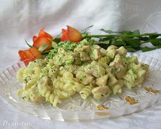 Pierś z kurczaka z brokułem i nutką cytryny