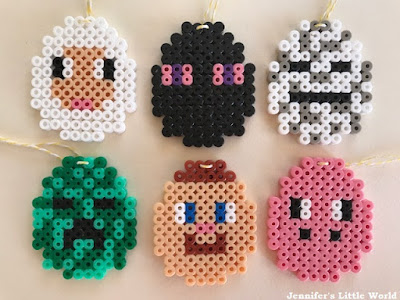 Minecraft Christmas decorations with Hama beads
