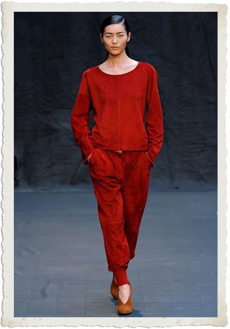 outfit rosso di Hermés