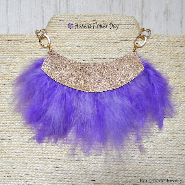 JANE Colores. Collares con plumas · Feather necklaces