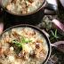 Zapiekana zupa cebulowa (z marynowaną szalotką i grzankami)