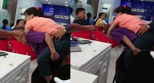 Putrinya Lumpuh, yang Dilakukan Ibu Tua Ini Bikin Netizen Sedih!
