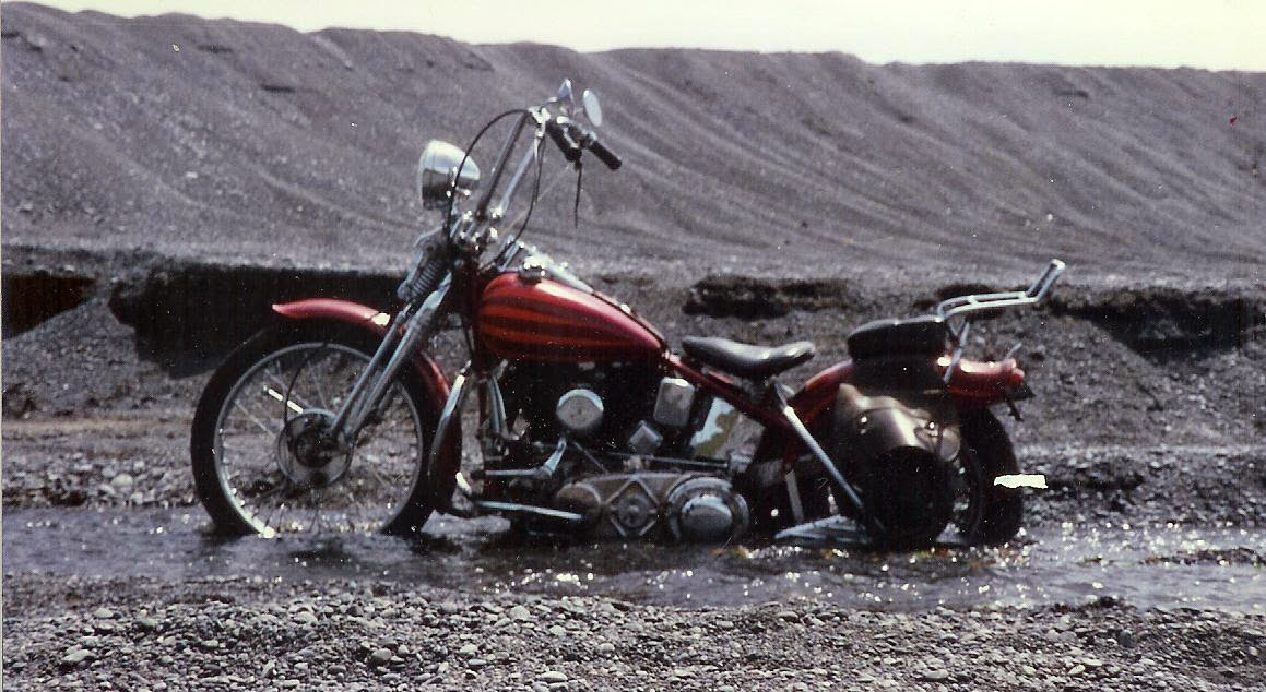 Knucklehead motorcycle stuck in sand