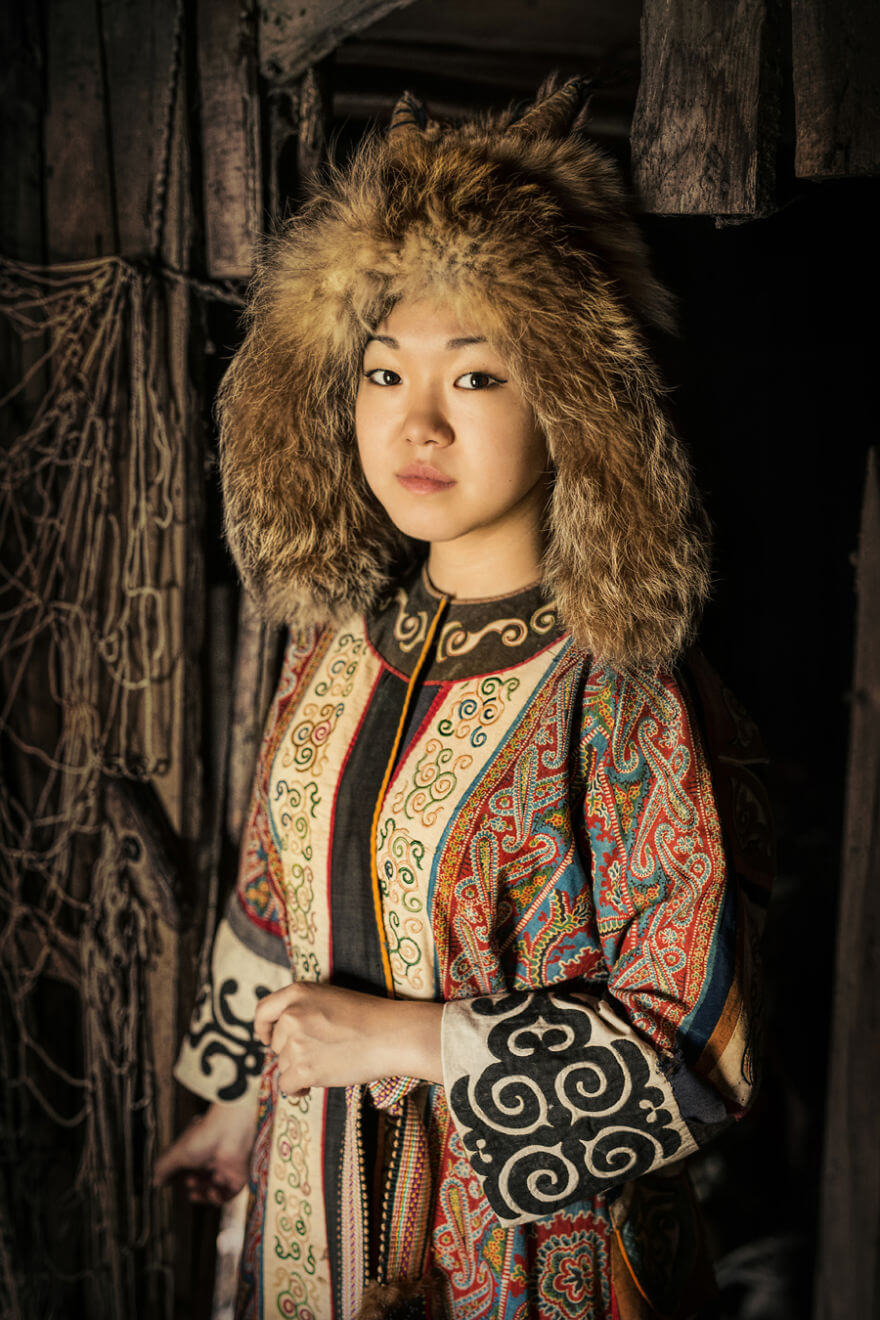 He Traveled 25000 Km In Siberia To Capture The Beauty Of Its Indigenous People With His Camera. The Pictures Are Breathtaking! - Ulchi Girl