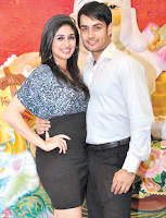 Foto Vivian Dsena dengan istrinya Vahbbiz Dorabjee