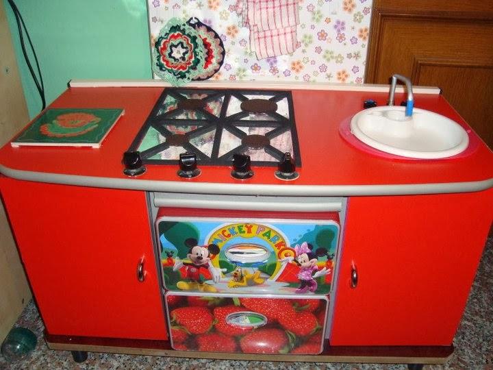 MAMMA ED OLTRE E IL RICICLO CREATIVO: Creare una Cucina Giocattolo ...