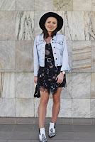 https://www.karyn.pl/2019/04/kowbojki-i-sukienka-galaxsy-za-5z.html