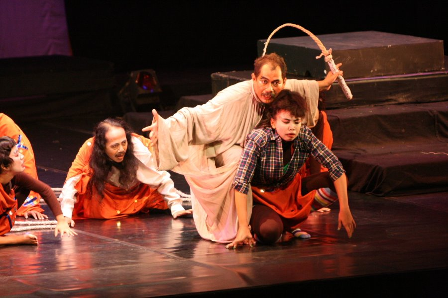 tikungan iblis teater dinasti