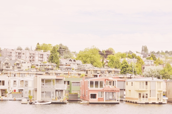 Things to do in Seattle - floating homes on Lake Union