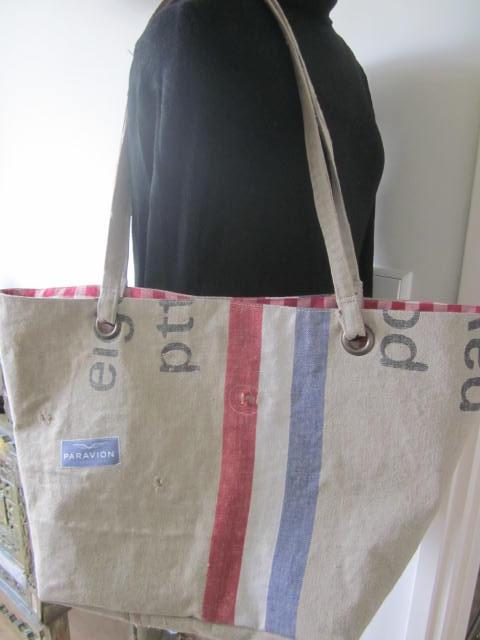 Zelfgemaakte Stoffen Tassen : Ivy s zelfgemaakt en weer een mooie postzak tas