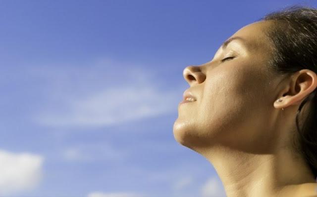 Κρίση άγχους: Ηρεμήστε σε 3' με αυτή την τεχνική αναπνοής