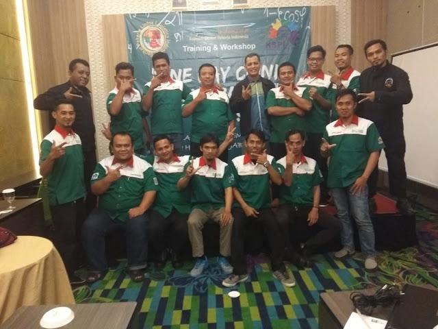 Tim Pengurus SPLLI yang mengikuti agenda one day clinic pengupahan