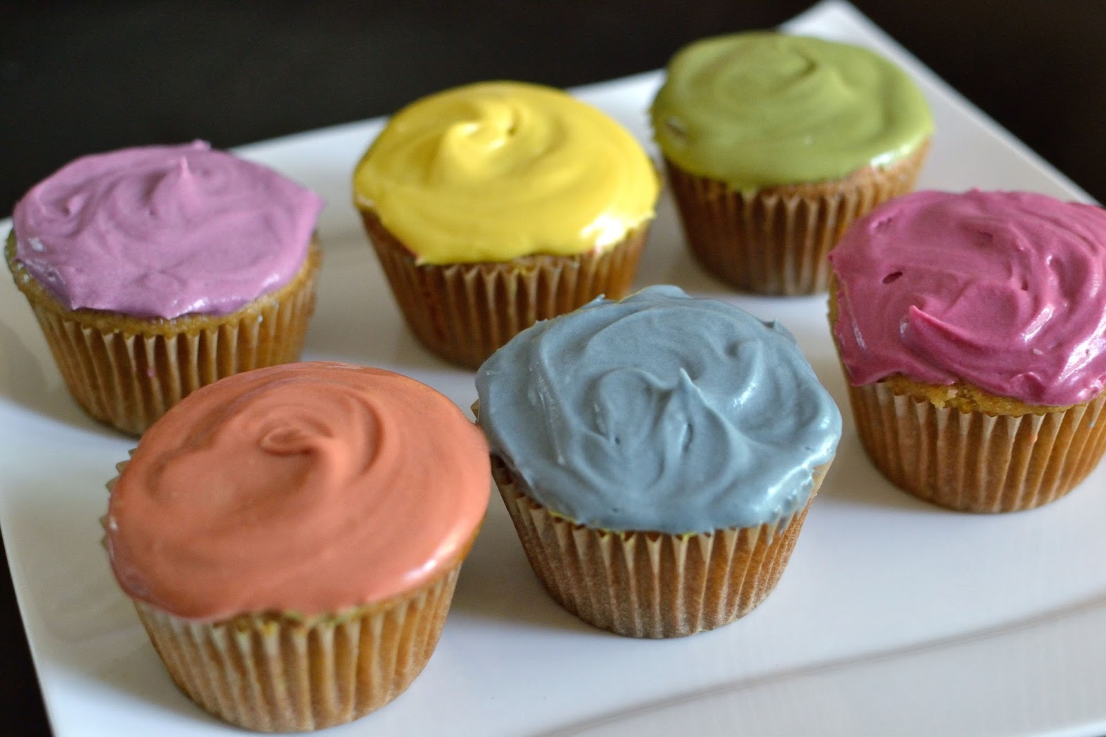 Ashley\'s Green Life: How to Color Frosting Naturally & Quickly
