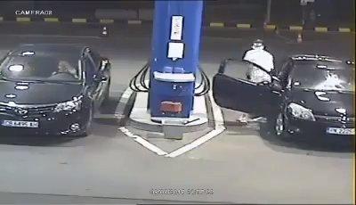 No quiso apagar su cigarrillo en una gasolinera, pasó esto