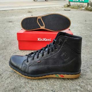 sepatu boot kickers hitam