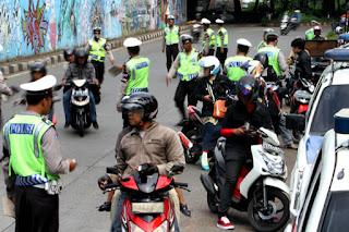 Beberapa Tips Manjur Terhindar Dari Tilang Razia Polisi