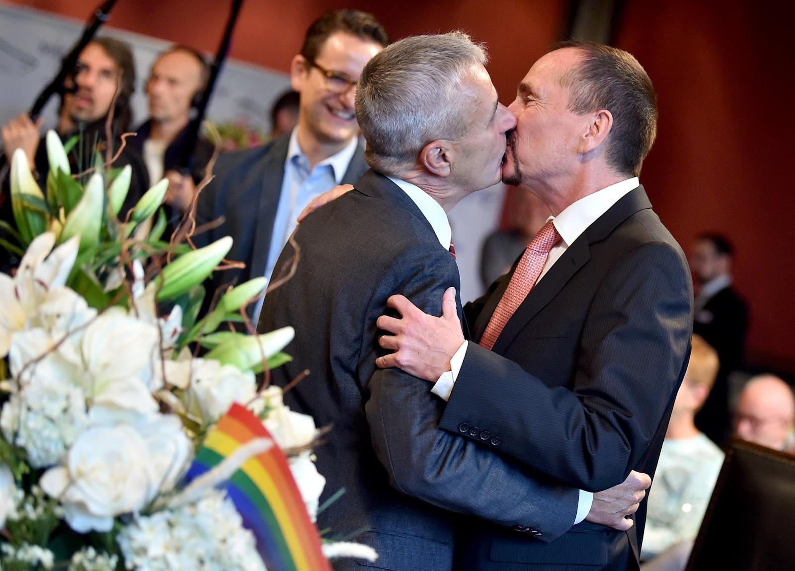 Casamento entre pessoas do mesmo sexo entra em vigor na Alemanha