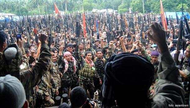 Presiden Filipina Memohon Bantuan Kepada Front Pembebasan Islam Moro