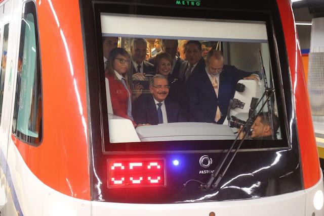 Inauguran la Línea 2B del Metro de Santo Domingo
