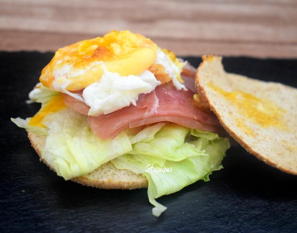 Sándwich Thins de Jamón y Huevo