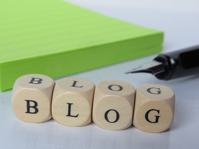 Ilustrasi dunia blogging yang sangat menarik.