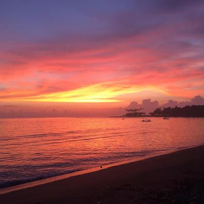 foto sunset indah di pantai senggigi