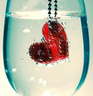 Tình yêu là cốc nước trắng