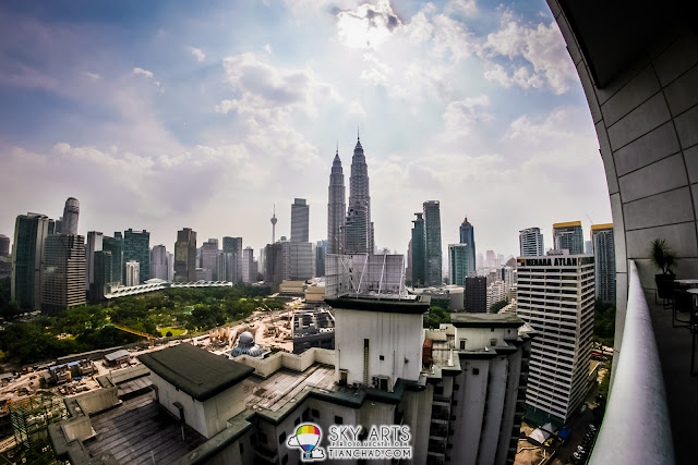 The KLCC and KL Tower  cityscape that you can see from Cantaloupe Balcony dining area