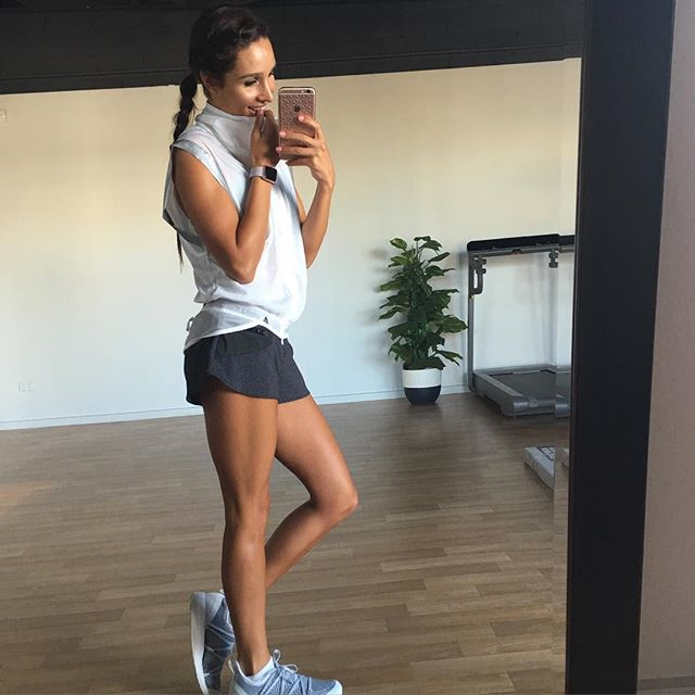 Australian Fitness Model Kayla Itsines Instagram photos