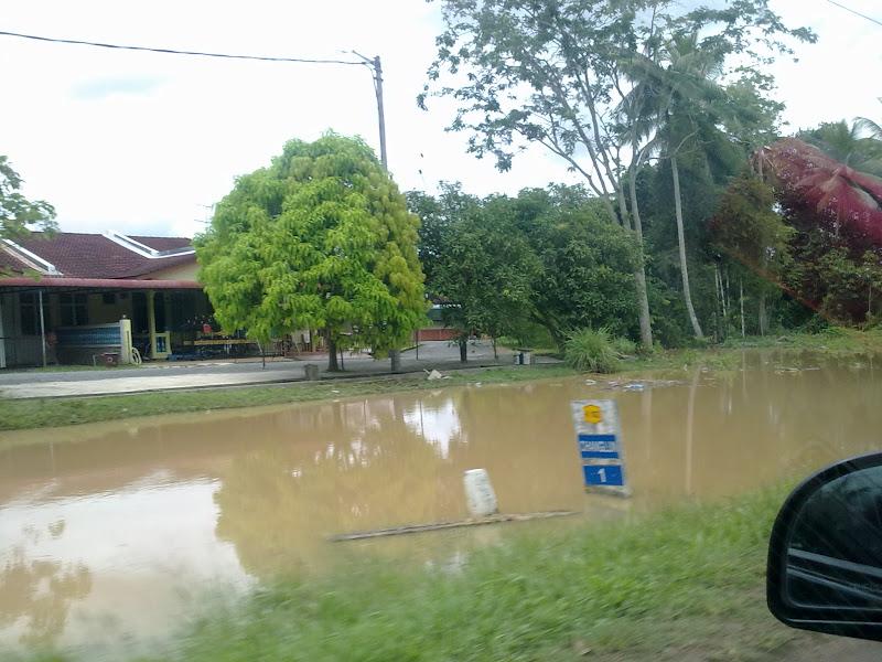 ..sekitar banjir..   it's all about ZAHIRIAN