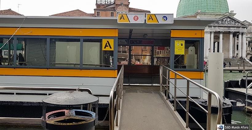 Ponto da Estação Ferrovia do do Vaporetto em Veneza: como se locomover em Veneza