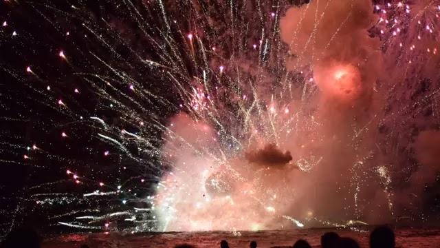 Rayakan Pergantian Tahun, Kembang Api Meledak dan Terjadi Kebakaran, Ribuan Penonton di Pantai Sydney Dievakuasi