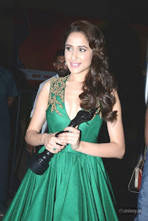 Pragya-Jaiswal-Stills-at-South-Britannia-Filmfare-Awards-2016