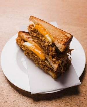 Viral! Sandwich Indomie Goreng Baru Saja Jadi Makanan Terenak Sydney!