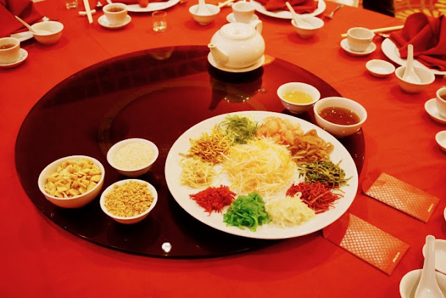 Yee Sang, yusheng, lo hei, prosperity toss, Jimmy Low, Waterfront Cebu City Hotel and Casino, Tin Gow, Tin Gow Palace, Chinese Restaurant in Cebu,