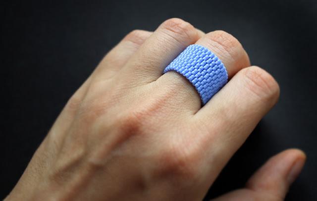 купить очень широкое кольцо на средний палец изделия из бисера интернет магазин