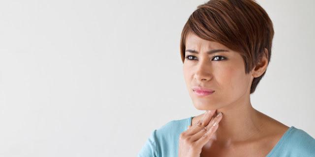 radang tenggorokan, Penyebab dan gejalanya